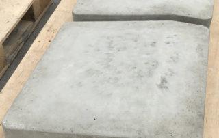 Individuell gefertigter Rampenstein